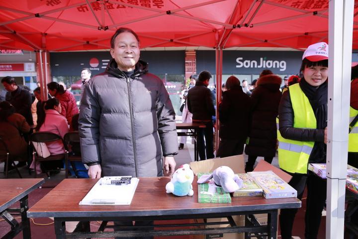 做了一辈子好事 有人为感谢他苦寻三年 大榭老党员志愿者施锦璋走了