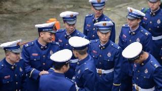 """应急部回应消防新制服""""火焰蓝""""色:体现职业责任"""