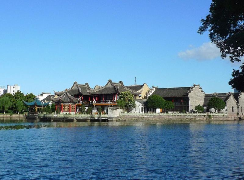 【航拍】历史文化保护区——月湖
