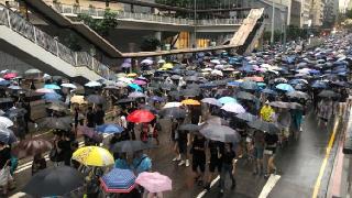 香港警方:昨日下午集会未经批准,在港铁太子站共拘捕40人