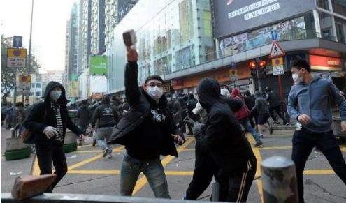 香港特区政府严厉谴责激进示威者在香港多区实施违法暴力行为