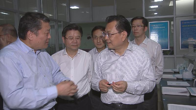 """裘东耀在北仑区开展""""三服务""""活动时强调:倾力支持企业创新发展稳健发展"""