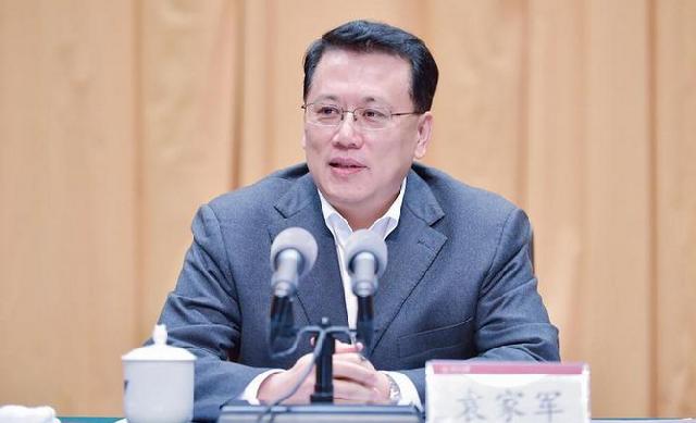 袁家军在浙江大学宣讲中央全会和省委全会精神 在新时代新阶段书写绚丽多彩的人生篇章