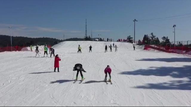 留甬过大年 运动不可少 滑雪贺新年