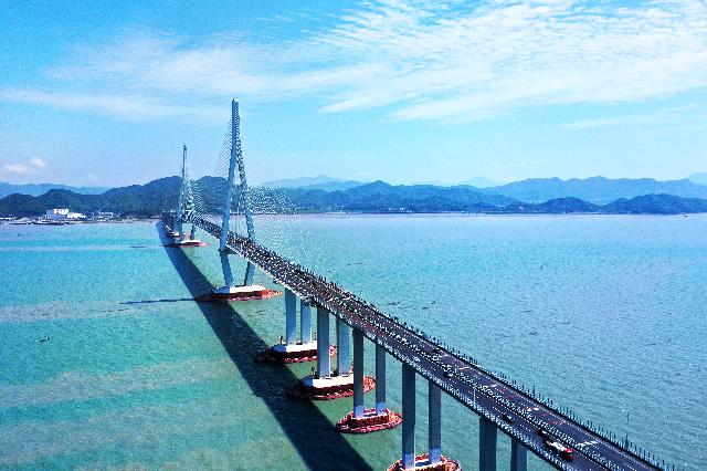 一桥架南北 海港小城变身旅游胜地丨沿着高速看宁波