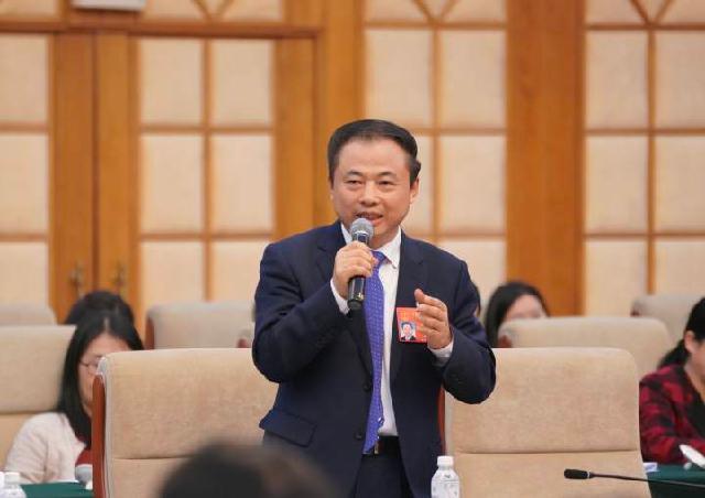 天能控股集团董事长张天任:培植优势产业 实现共同富裕