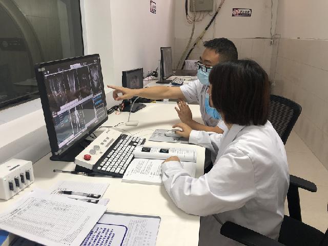 手把手实地教学 宁波镇海这名医生助力凉山金阳影像诊断技术迈上新台阶