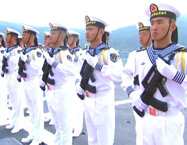 中央军委在南海海域海上阅兵,习近平检阅部队并讲话