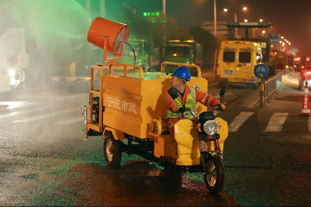 文明施工再升级 控尘利器惊艳亮相宁波街头