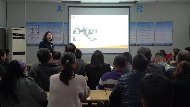 """江北:建筑工地上党课""""工地课堂""""学党史"""
